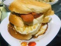 格格美食一一今日早餐,三层吐司面包