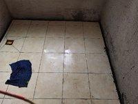 小满装修 :卫生间地砖铺贴、吵架