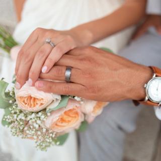 对于无证婚姻,不领证只办婚礼,你怎么看?