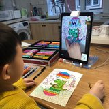 【小花】宅在家里有点腻?在线1对1画画课太棒了!