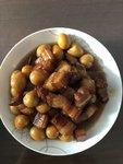 過節來做一道新菜:紅燒肉燉鵪鶉蛋