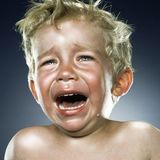 【飞鸟育儿】面对宝宝哭闹,你会怎么做?
